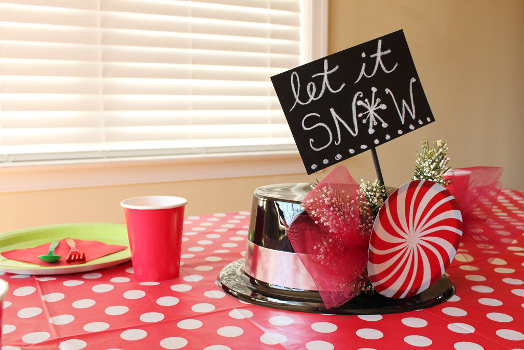 christmas-top-hat-centerpiece-4-sign