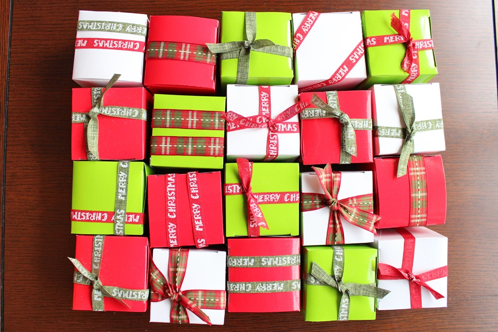 Gift Box Wreath Step 03