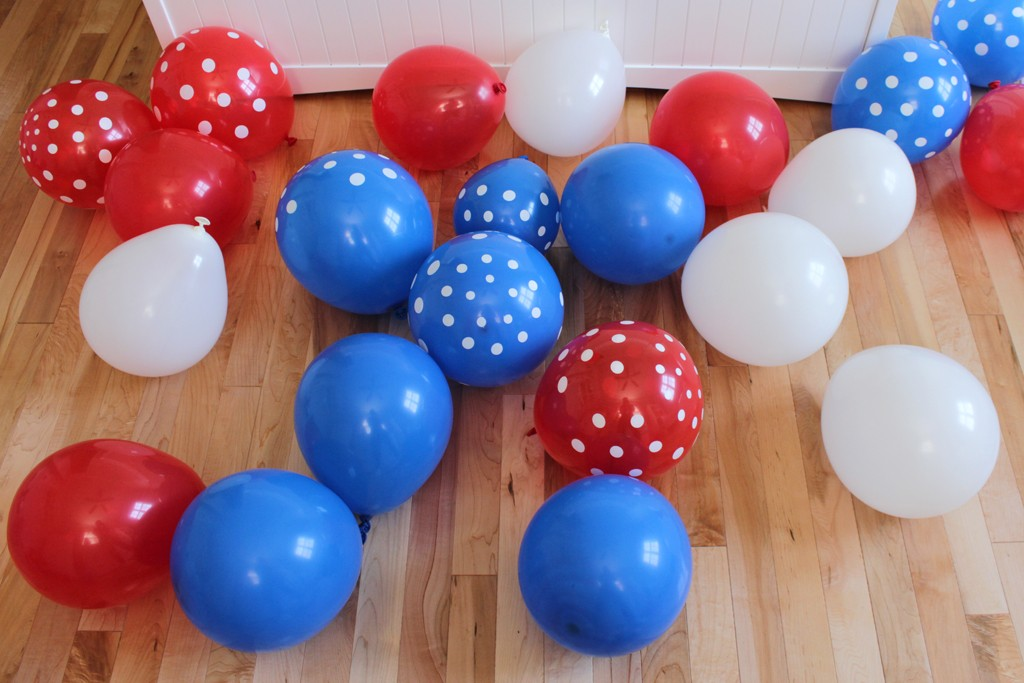 Patriotic Party Balloon Arch Step 1