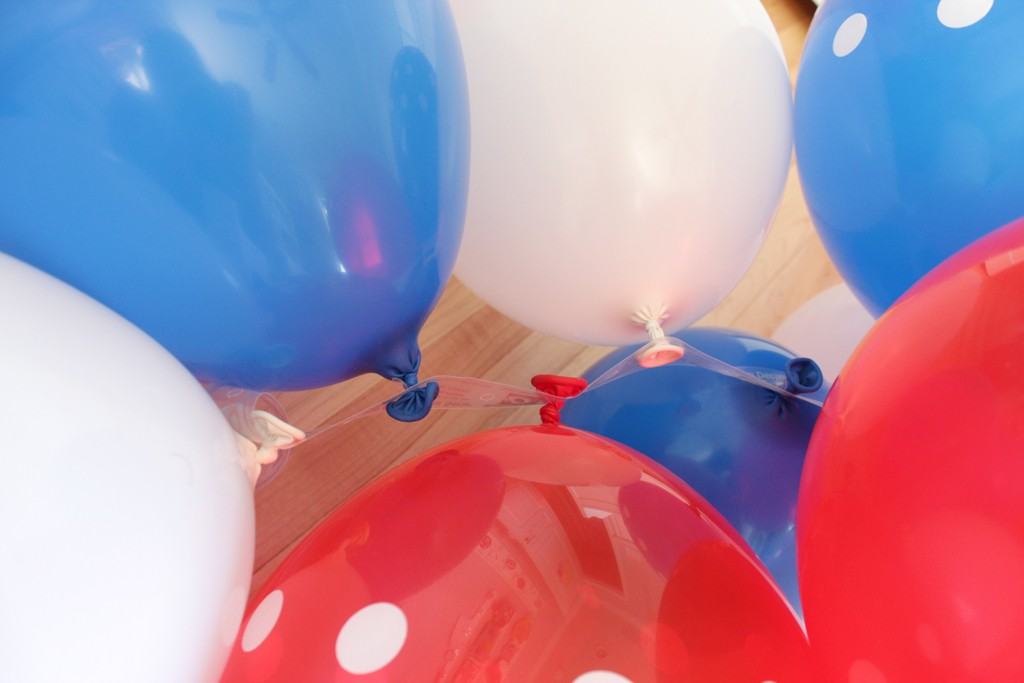 Patriotic Party Balloon Arch Step 2