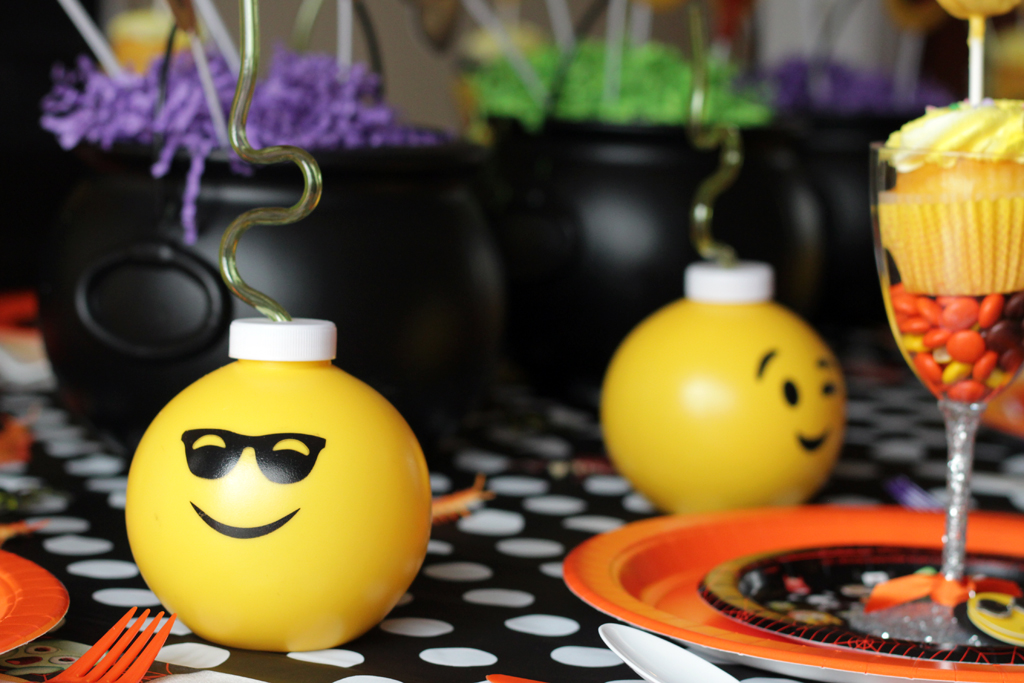 Halloween Emoji Party Table Details