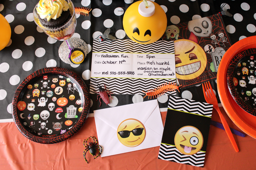 Halloween Emoji Party Invitations