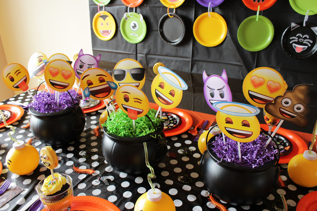 Halloween Emoji Party Centerpieces