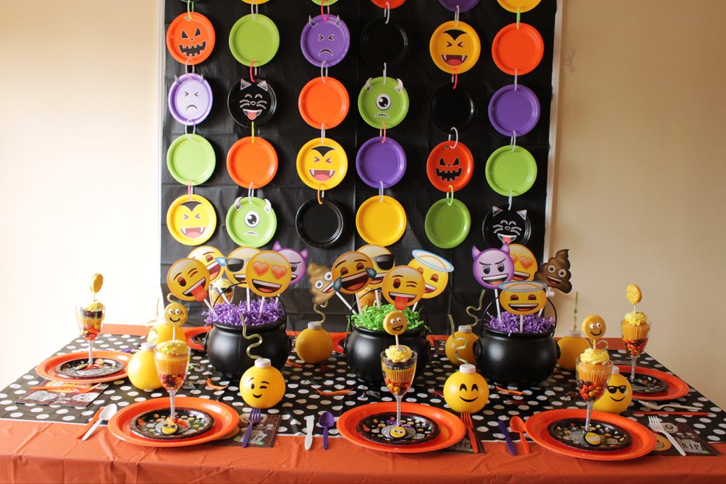 Halloween Emoji Party and Photowall