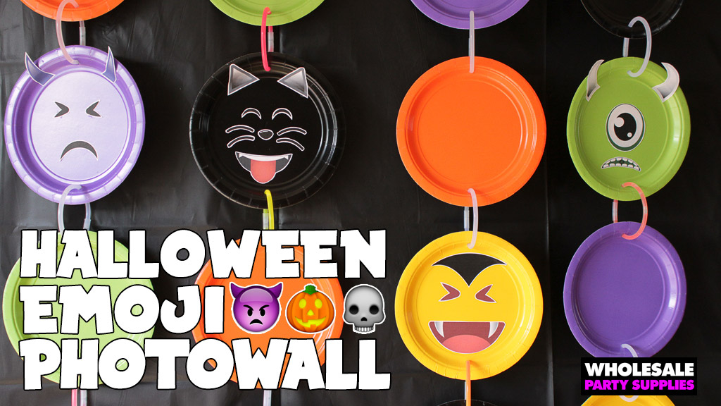 Halloween Emoji Photowall DIY