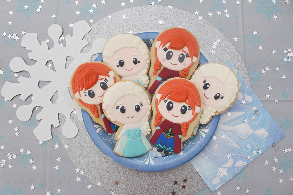 Disney's Frozen Decorated Elsa and Anna Cookie Tutorial