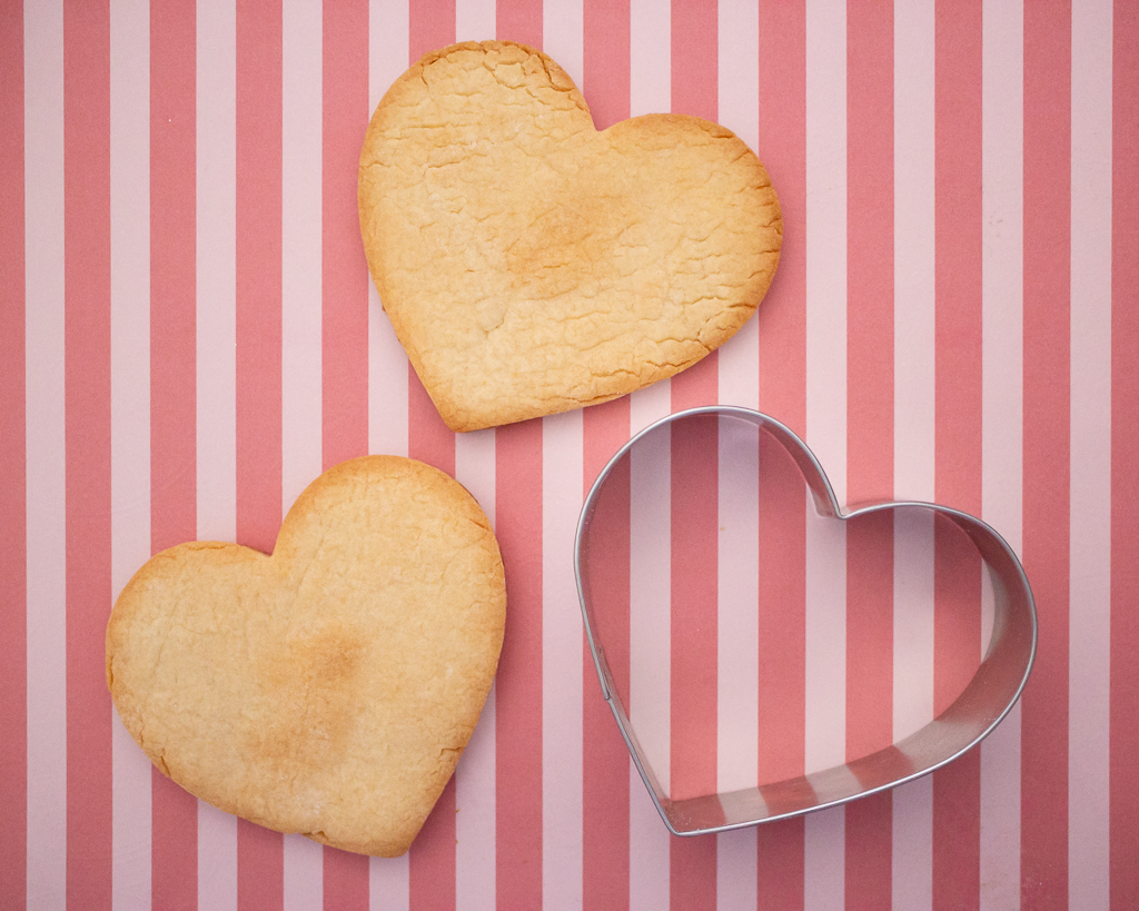 Conversation Heart Decorated Cookie Tutorial
