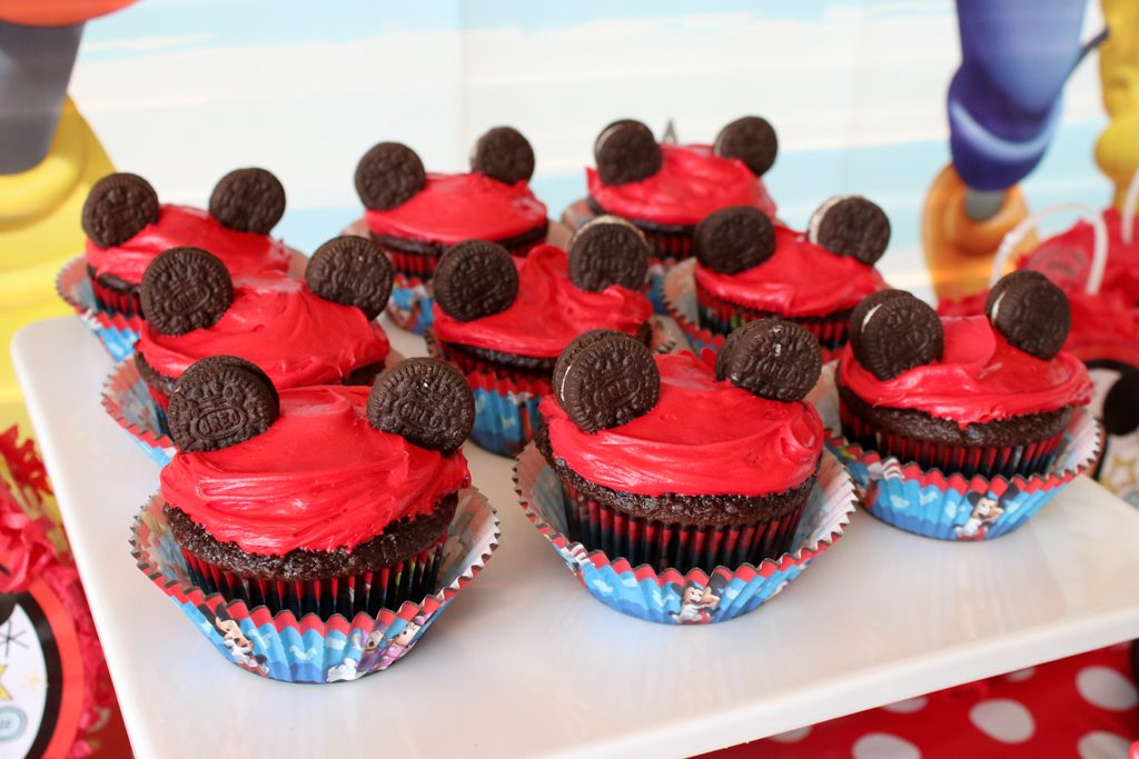 Mickey Mouse Party Cupcakes