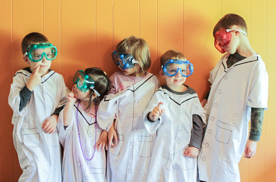 Paper Plate Photobooth and Labcoat DIY