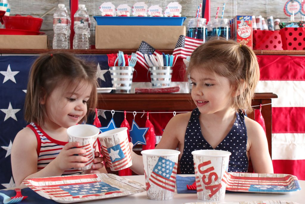 Vintage Patriotic Party Tableware