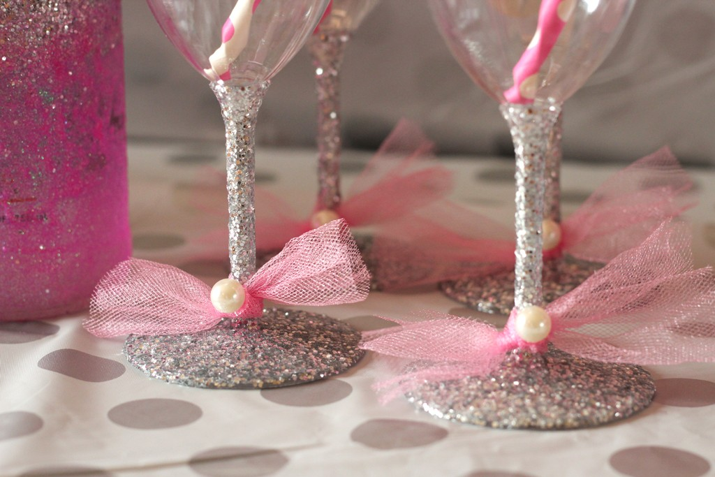 Glittered Glasses with Tulle