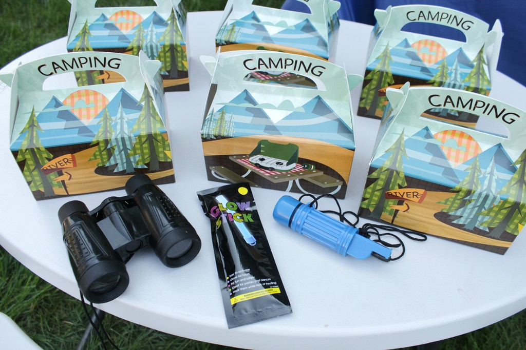 Let's Go Camping Party Favors Details