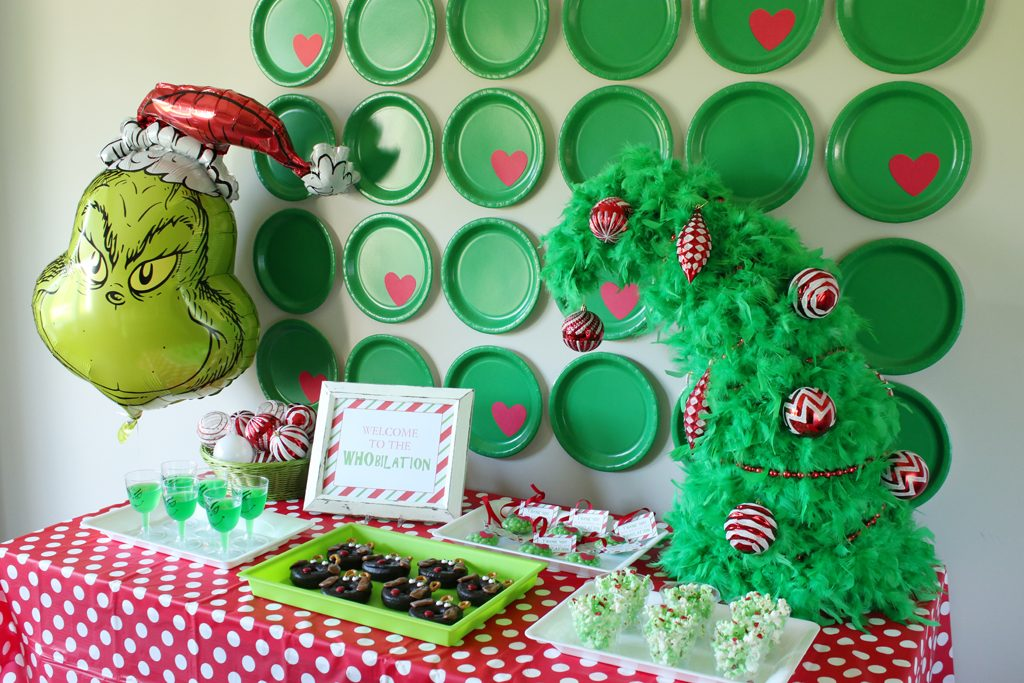 Grinch Party Food Table