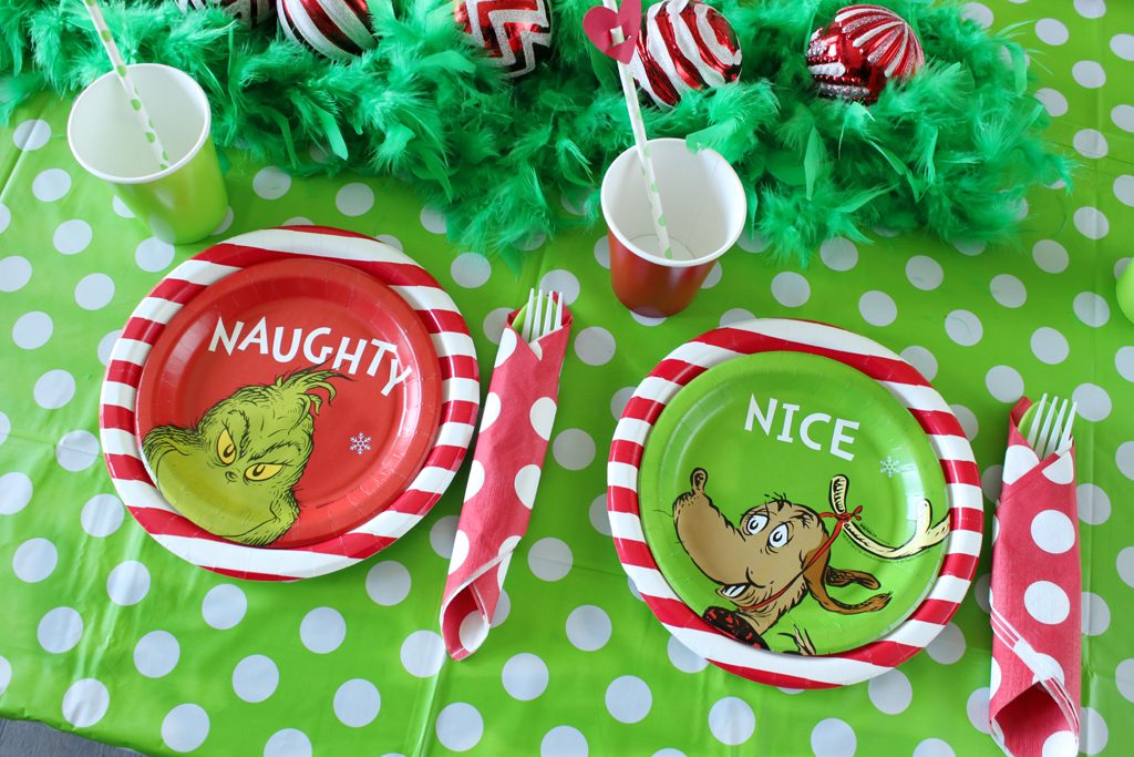 Grinch Party Place Settings