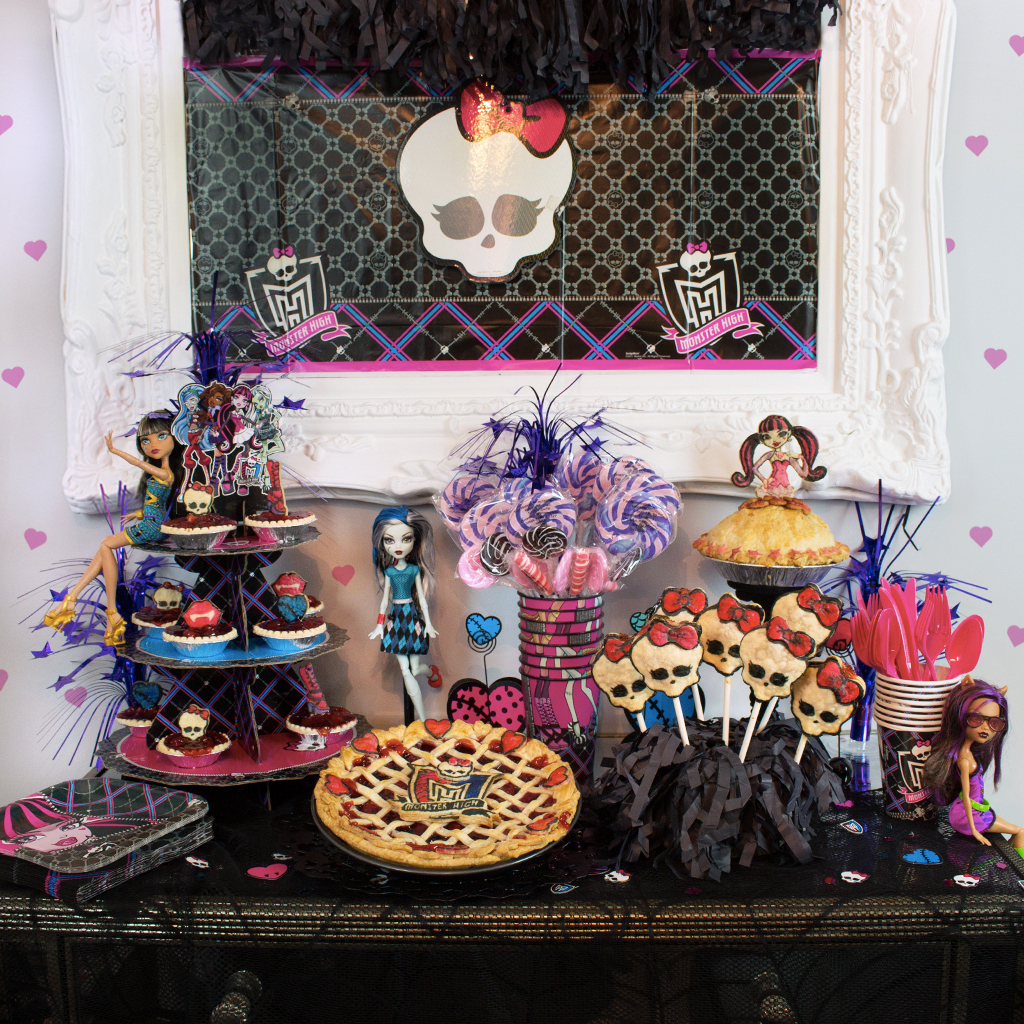 Monster High Pie Party Buffet Table